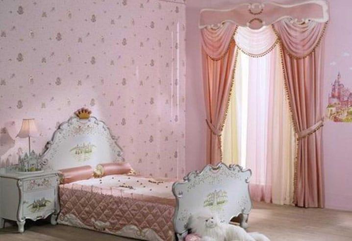шторы в комнате для девочек