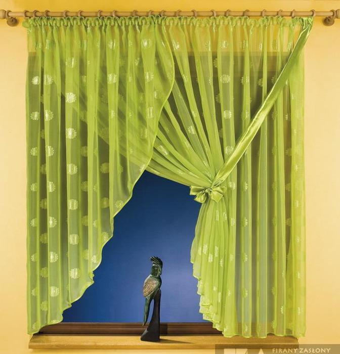 Занавеска на маленькое окно своими руками