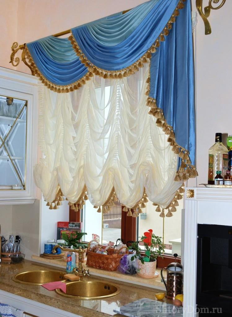 Французская штора на кухне