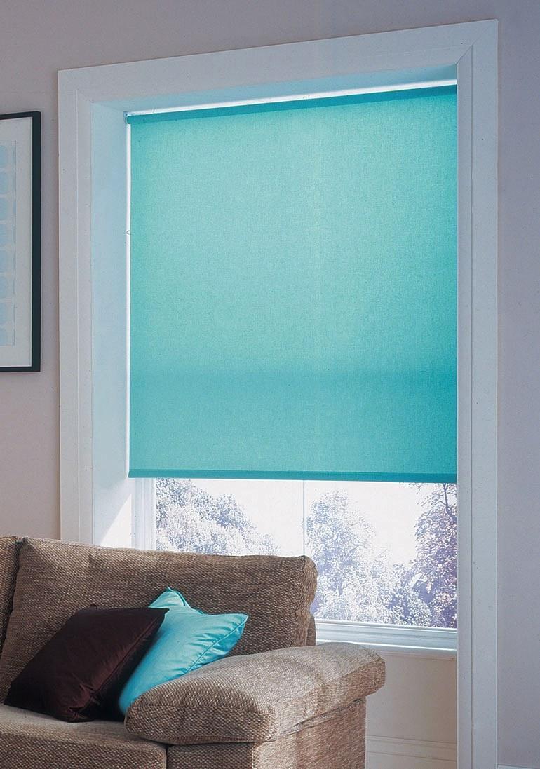 Рулонные шторы или горизонтальные жалюзи? Что лучше?