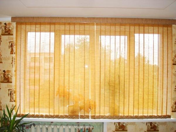 шторы жалюзи на кухню