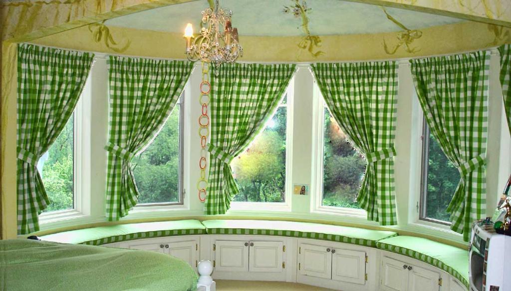 делаем шторы по кухне
