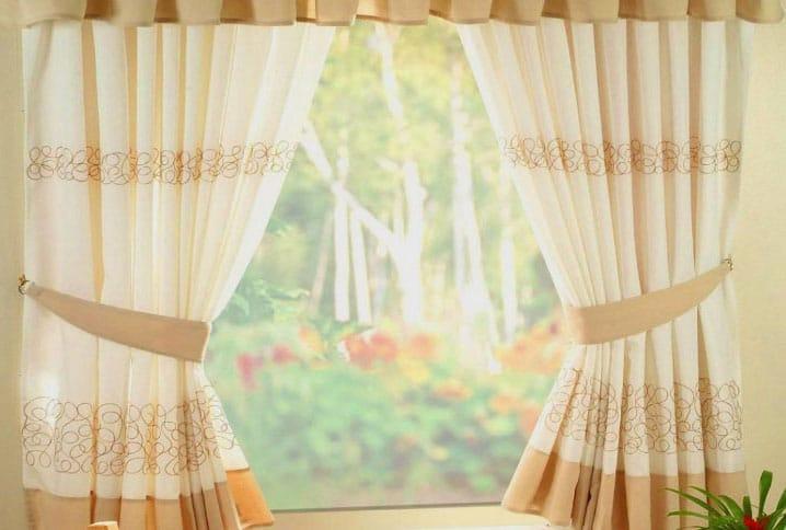 шторы на маленькое окно