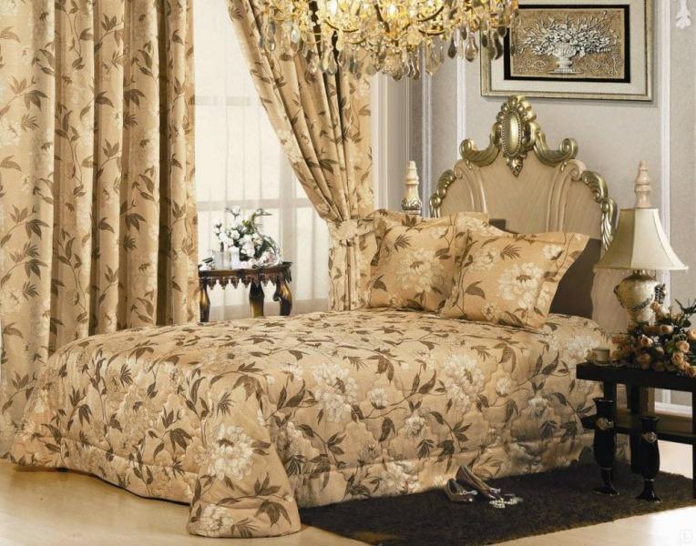 Материалы для покрывала в спальню тоже бывают разнообразные по цене и качеству, именно покрывало создает атмосферу уюта