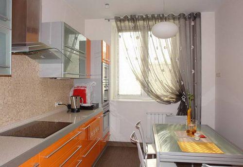 современные шторы в кухню
