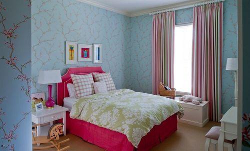 Розовые шторы к голубым занавескам