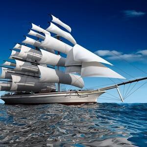корабль под парусами в море