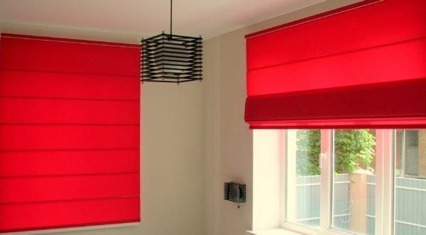 Рулонные шторы – простой и доступный способ для обрамления оконного проема