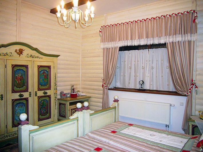 Спальня в русском народном стиле