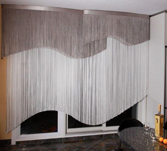 Как красиво повесить нитяные шторы