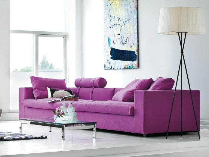 пурпурный диван