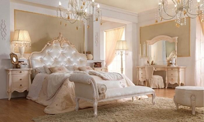 Оттоманка у кровати