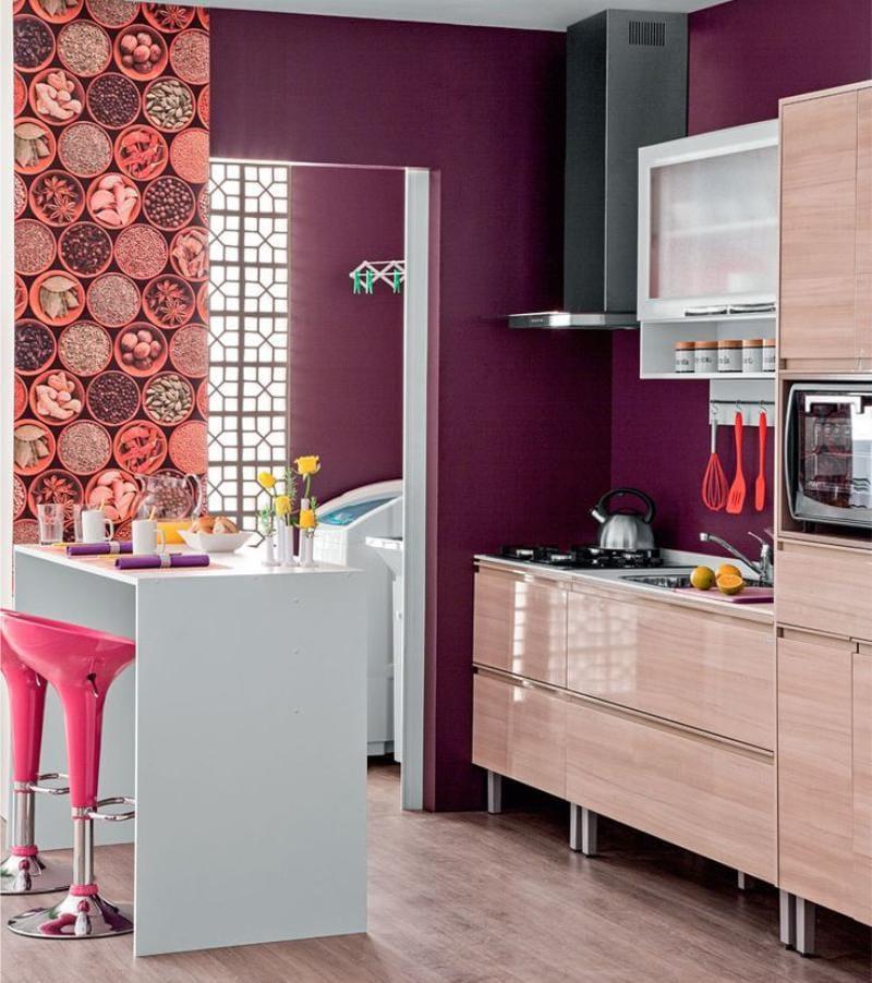 Стены фиолетового цвета в интерьере кухни