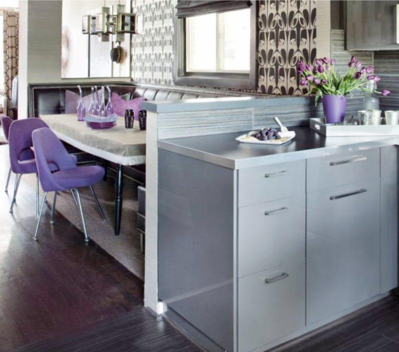 Серо-фиолетовая кухня