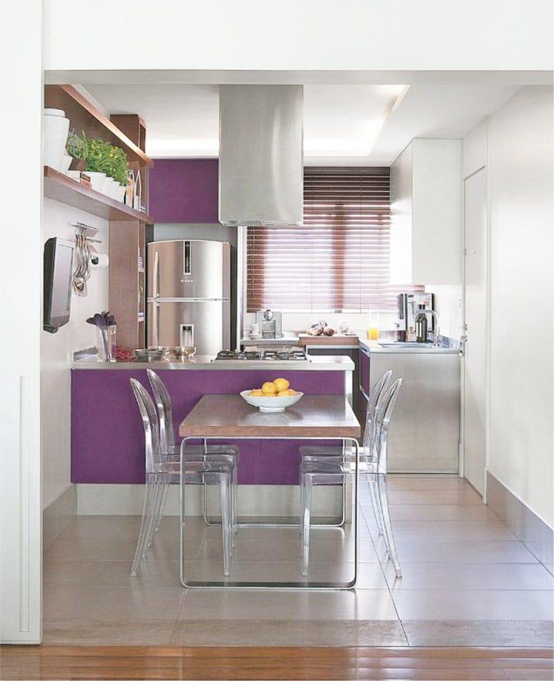 Бело-фиолетовая кухня