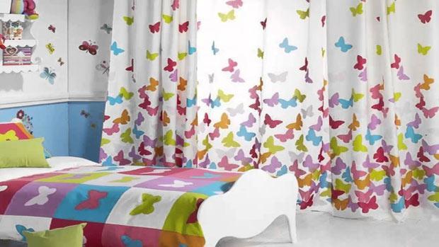 легкая светлая с бабочками