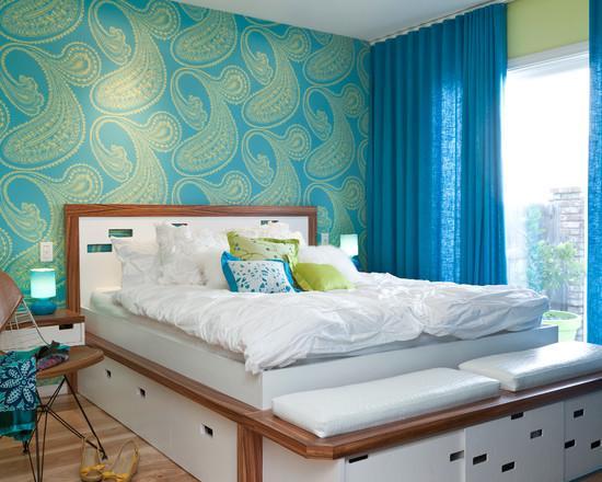 Голубые шторы к бирюзово-синим обоям