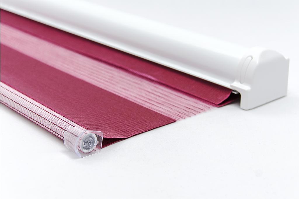 Материал штор блэкаут состоит из трех слоев, что в совокупности позволяет полностью блокировать солнечный свет