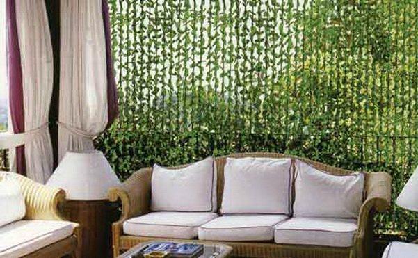 Декоративные шторы из нитей с листьями