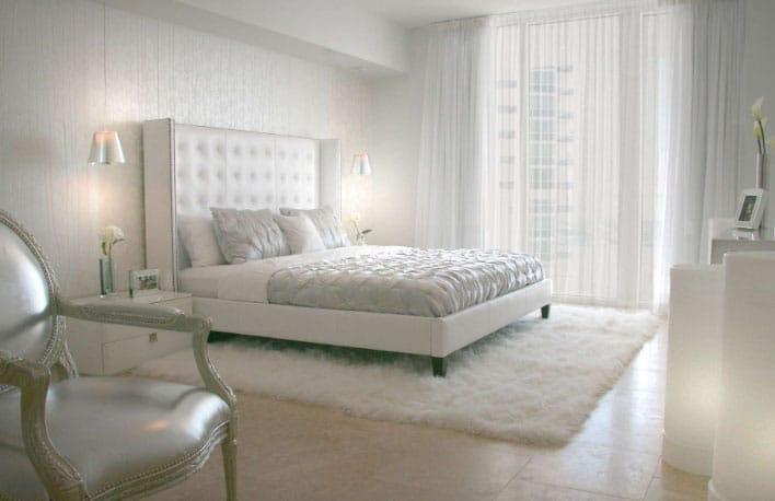 однотонные белые шторы