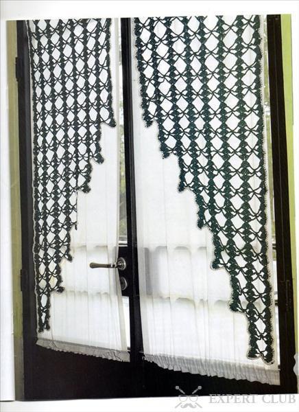 Вязаная штора – отличный декоративный элемент