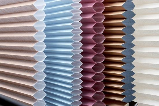 Различные цвета штор плиссе
