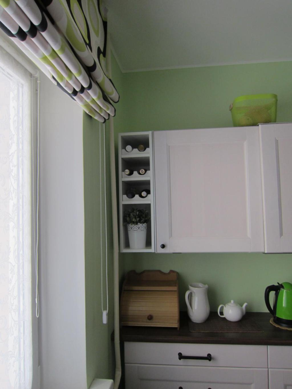 Римские шторы: современное оформление окон на кухне