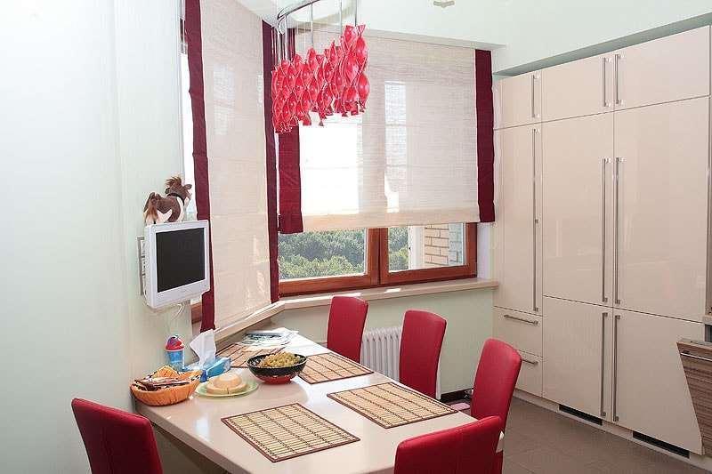 шторы могут быть и двухцветными