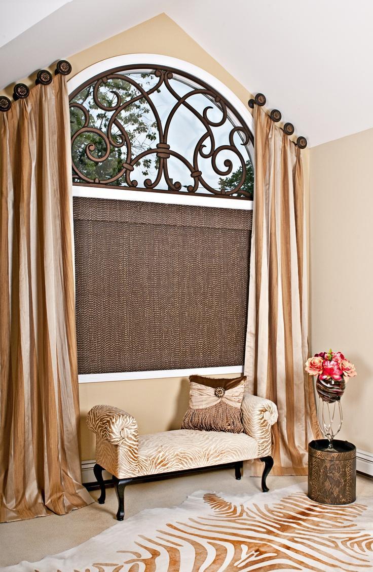 Фото штор на скошенных окнах