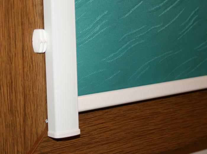 Боковая направляющая рулонной шторы