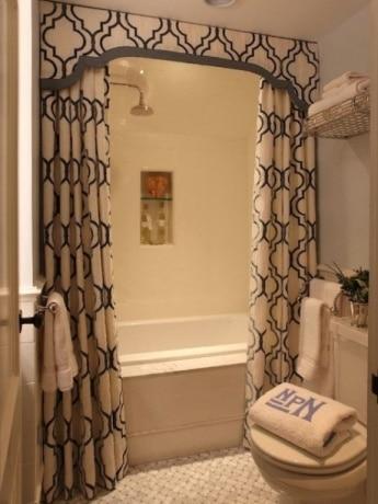 bathroom-curtain-rod[1]