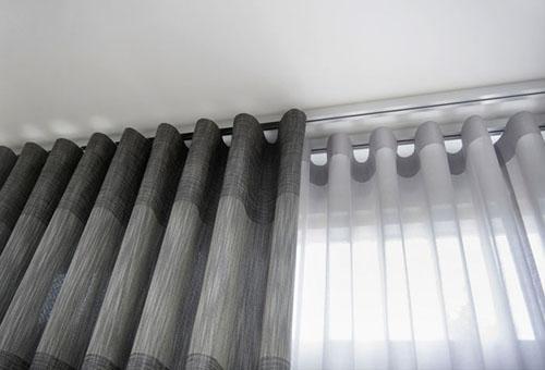 Как повесить шторы?