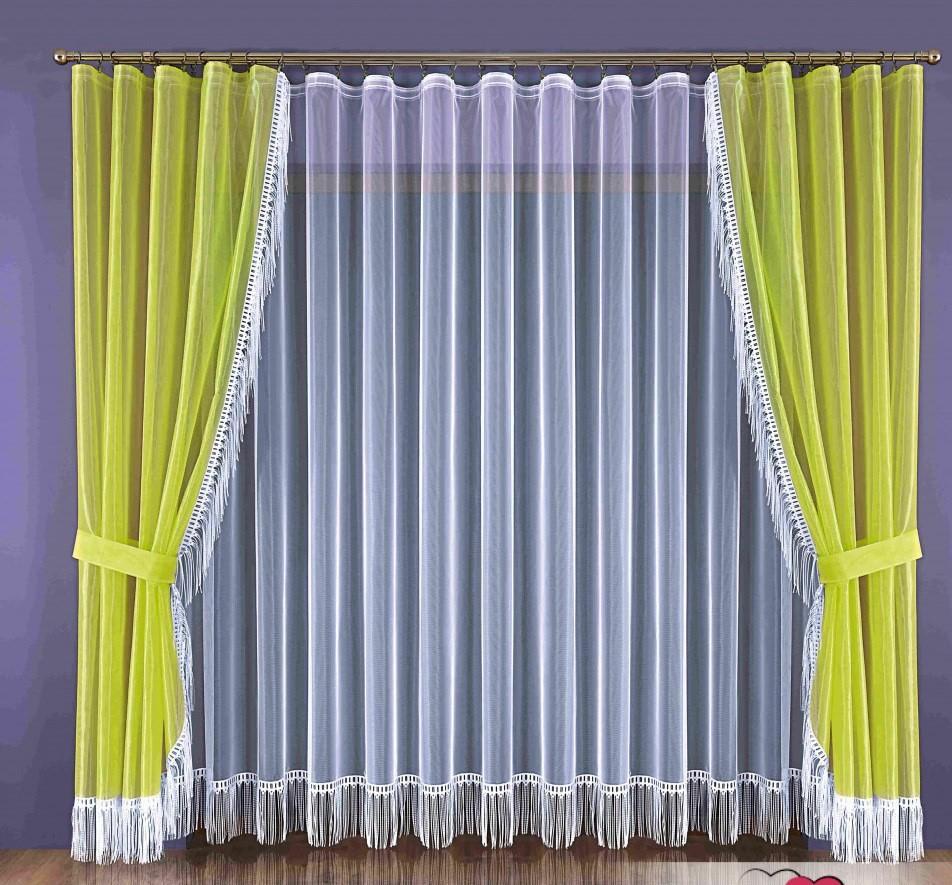 Удлинить шторы снизу можно с помощью декоративной бахромы, для большей естественности пустив её и по низу тюли