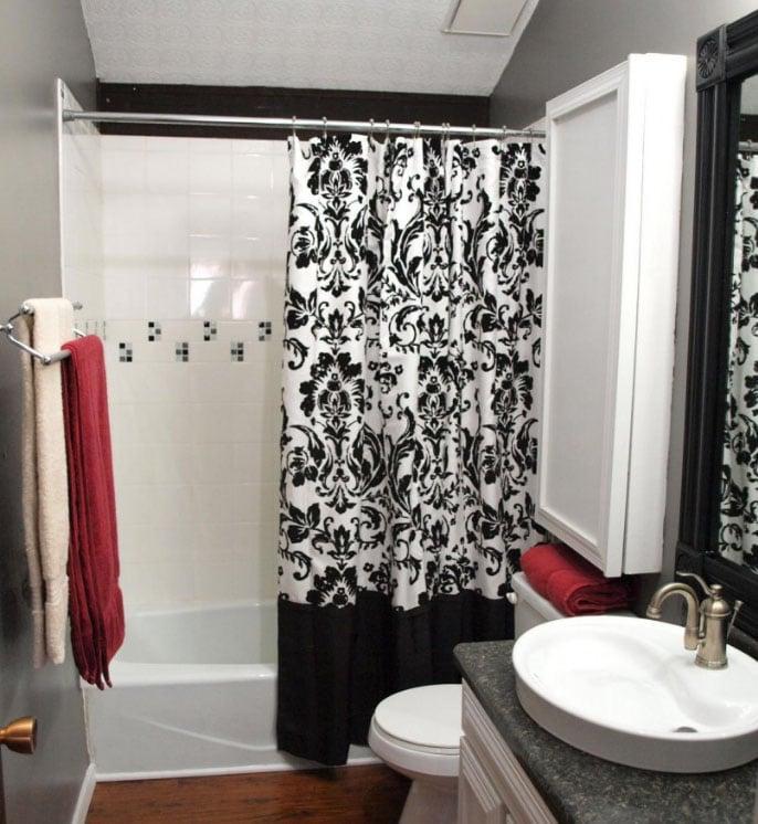 шторы в интерьере ванной