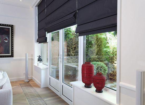 Выбираем римские шторы на дверь