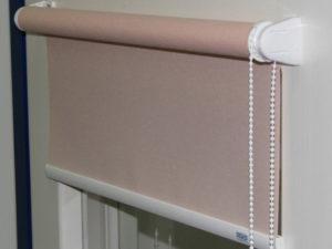 Механизм рулонной шторы открытого типа