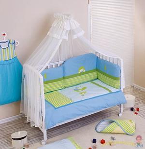 Балдахин для детской кроватки должен быть из натуральной ткани