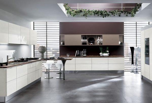 Интерьер кухни с использованием жалюзи