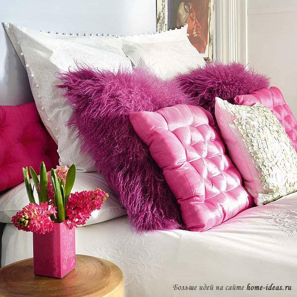 Подушки для романтической спальни