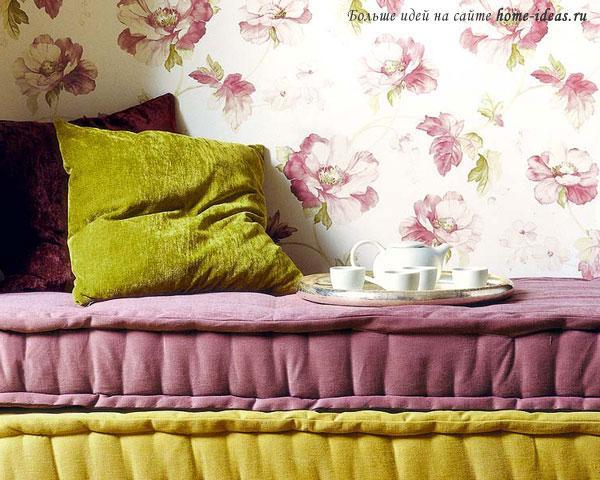 Подушки в тон дивану