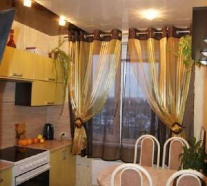 Обустройство дачного домика: как сшить шторы на кухню