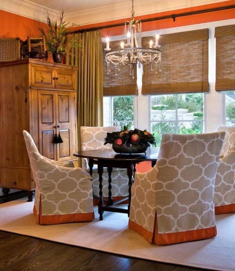 римские шторы из бамбука в гостиной