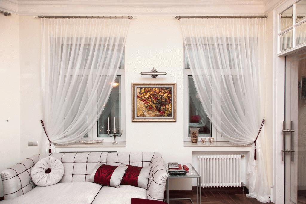 шторы на одну сторону окна фото оформление