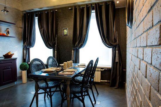Черные шторы на кухню