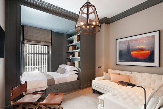 Разные тона отделки и цвет мебели в зонировании спальни гостиной