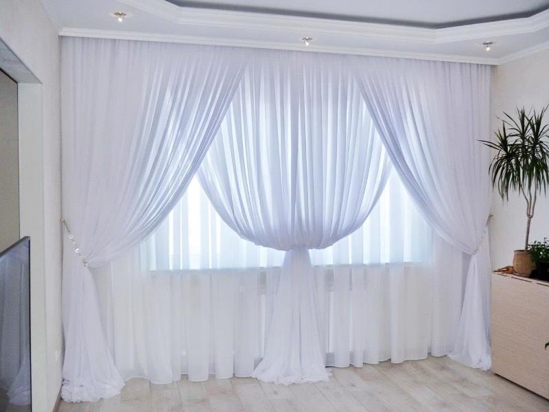 легкие прозрачные шторы с изящной драпировкой