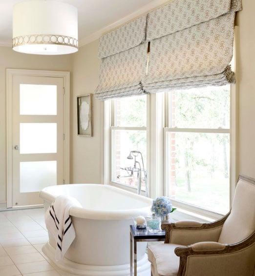 римские шторы в ванной
