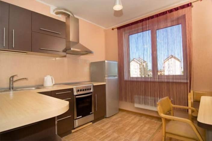 шторы лапша в интерьере кухни