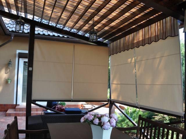 Рулонные шторы для беседки