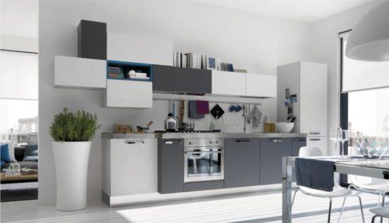 Глянцевая бело-серая кухня